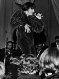 Pj Proby American Pop Singer on Stage in 1965 Fotografisk tryk