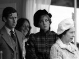 Prince Charles Princess Diana and the Queen Royalty at the Braemar For the Highland Games Fotografisk tryk