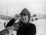 Beatles Singer John Lennon January 1965 on Holiday in St Moritz Skiing with Wife Cynthia Lennon Fotografická reprodukce