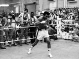 World Heavyweight Champion Muhammad Ali Announces His Retirement from Boxing Fotografisk tryk