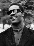 Stevie Wonder, Blind American Singing Star, Announced His Engagement to Singer Syreeta Wright Fotografisk tryk