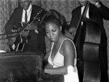 Jazz Singer Nina Simone, Performing at Annie's Club, June 1965 Fotografie-Druck