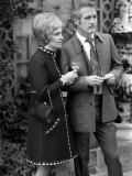 Joanne Woodward and Husband Paul Newman at Press Conference in London in Hamilton Place Lámina fotográfica