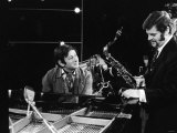 Tubby Hayes and Andre Previn at London Weekend TV Studios Show Lámina fotográfica