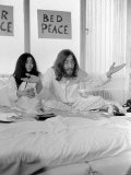 "John Lennon and Yoko, Newlyweds on ""Honeymoon"" Photographic Print"
