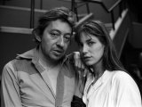 Serge Gainsbourg with Jane Birkin Pictured After the Show of Their Film Je T&#39;Amie in London Photographic Print
