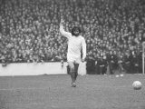George Best Manchester United Footballer April 1971 During the Match Against West Ham at Upton Park Reproduction photographique