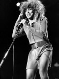 Tina Turner Singer in Concert Performing on Stage at Birminghams National Exhibition Centre Reproduction photographique