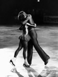 Great Britain's Christopher Dean and Jane Torvill Hug in Centre of Rink After Final Performance Reproduction photographique