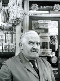 Ronnie Barker as the Stuttering, Lustful Shopkeeper Arkwright from the BBC TV Series Open All Hours Fotografisk tryk