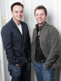 Television Presenters Ant and Dec Pose For Pictures During an Interview in March 2006 Photographie