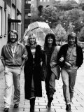Abba in Sweden Benny Andersson Agnetha Falstof Frida Bjorn Ulvaeus Walk Down Street in Sweden Photographie