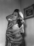 Sophia Loren 1954 19 Year Old Italian Film Actress Fur Wrap Photographie
