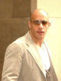 Vin Diesel Leaves the Sheraton Hotel in Edinburgh For an Appearance on MTV Trl in Leith Lámina fotográfica