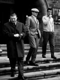 Real Madrid Legends Ference Puskas and Alfredo Di Stefano Leave Their Hotel in Glasgow Lámina fotográfica