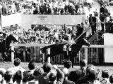 Lester Piggott Wins the Derby on Nijinsky in 1970 Fotografisk tryk