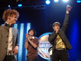 The Klaxons Win the 2007 Mercury Music Awards at the Grosvenor Hotel in Central London Fotografie-Druck
