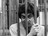 Rowan Atkinson Behind Bars at the North Community Centre, London Photographie