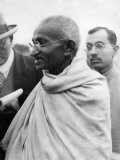 Indian Spritual Leader Mahatma Gandhi During a Visit to Britain. September 1932 Reproduction photographique