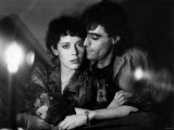 Lovers Silvia Kristel and Ian Mcshane Lmina fotogrfica