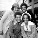 Singer Gladys Knight and the Pips Pose For a Picture at Heathrow Airport 10th May 1973 Fotografisk tryk
