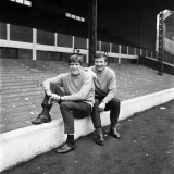 Liverpool Players Tommy Smith and Emlyn Hughes at Anfield, October 1969 Fotografie-Druck