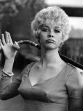 20 Yr Old Linda Thorson from Canada is the New Miss Tara King, in the Avenger's T.V. Series Reproduction photographique