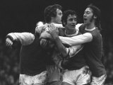 Football Player George Graham For Arsenal Football Club Celebrates with Teamates Photographie