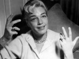 Simone Signoret Actress Gesturing with Hands Fotografisk tryk
