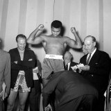 Henry Cooper vs Muhammad Ali Weigh in For World Heavyweight Title Fight at the Odeon Theatre Photographie