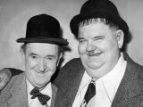 Comedy Duo Stan Laurel and Oliver Hardy - in Their Dressing Room at the Newcastle Empire Lámina fotográfica