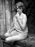 Actress Maggie Smith in a State of Undress as She Plays Strip Poker Fotografisk tryk