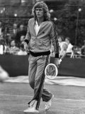 Swedish Star Bjorn Borg Played in a Doubles Match Wearing This Bright Red Tracksuit. June 1974 Photographie