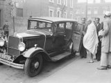 Gandhi at Kingsley Hall at Bromley by Bow to Discuss Home Rule For India Photographie