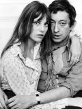 Serge Gainsbourg Actor with Actress Jane Birkin in Their Chelsea Home Lámina fotográfica