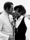 Patrick MacNee as John Steed and Linda Thorson as Tara King from television series &quot;The Avengers&quot; Photographie