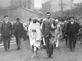 Gandhi During His Tour of the Lancaster Cotton Mills Photographie