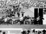 The Derby 1957 at Epsom L Piggott Winning on the Favourite Crepello Lámina fotográfica