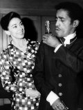 Sammy Davis Jr with Dame Margot Fontayn Stampa fotografica