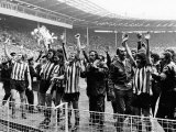 Fa Cup Final 73 Sunderland V Leeds Sunderland Team Wave to Fans After Their Win Photographic Print