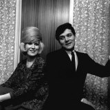 Dusty Springfield Singer with Pop Star Eden Kane February 1964 in Her Dressing Room at Croydon Photographie