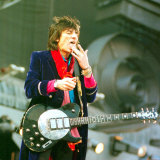 Ronnie Wood with the Rolling Stones in Concert June 1999 at Murrayfield Stadium Edinburgh Fotografie-Druck