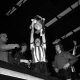 Bobby Kerr Sunderland Captain Lifts Cup After Beating Leeds United in the FA Cup Final 1973 Photographic Print