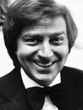 Des O Connor TV Presenter Comedian Smiling Portrait Shot Photographie