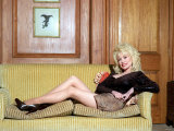 Dolly Parton Singer Being Interviewed by September 1998 Fotografisk tryk