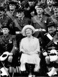 Queen Mother Sitting with Soldiers of the 1st Battalion 51st Highland Volunteers Photographic Print