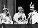 Queen Mother with Members of the Royal Family on the Balcony of Buckingham Palace Photographic Print