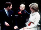 Prince William with Prince Charles and Princess Diana at Kensington Palace December 1983 Fotografisk tryk