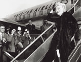 Marilyn Monroe Boards Airplane, New York, c.1956 Print