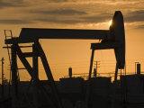 Oil Rig at Sunrise in Los Cerritos Wetlands, a Trust For Public Land Fotografisk tryk af Rich Reid